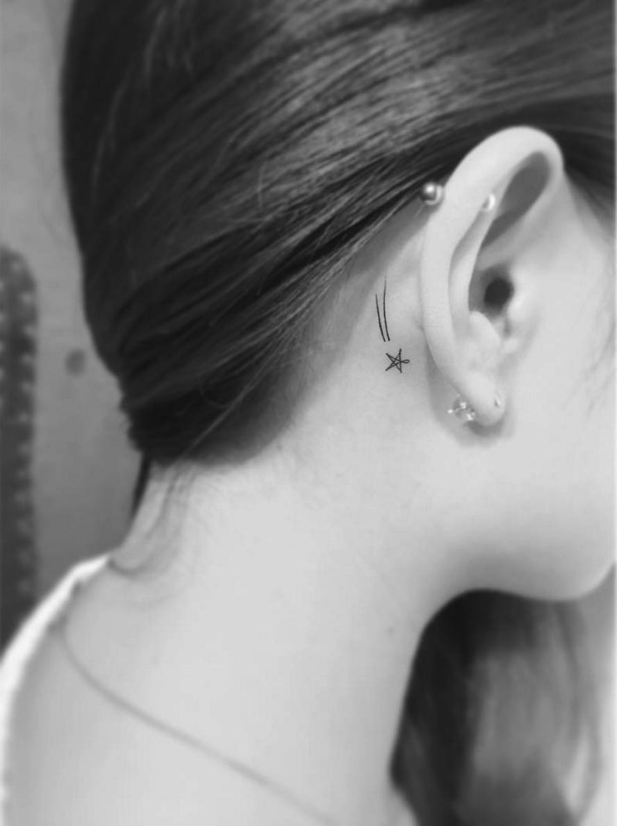 Tatouage derriere l oreille - Tatouage femme derriere l oreille ...