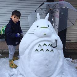 Les bonhommes de neige des Tokyoïtes après 4 ans sans neige