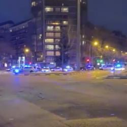 La police de Madrid rend hommage aux personnels soignants (Covid-19)