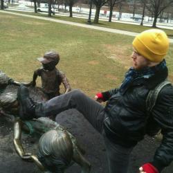 33 mises en scène hilarantes avec des statues