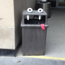 Des monstres prennent vie dans les rues grâce au street art