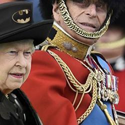 La reine d'Angleterre détournée par Internet