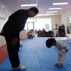 Ce jeune Taekwondoïste va vous faire fondre