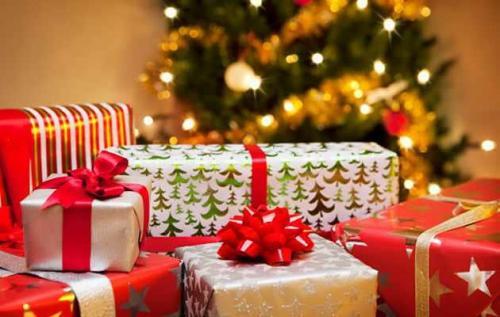 Le top des cadeaux de Noël à la con pour vous donner des idées :