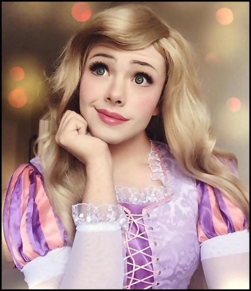 Un homme qui peut se transformer en princesse Disney