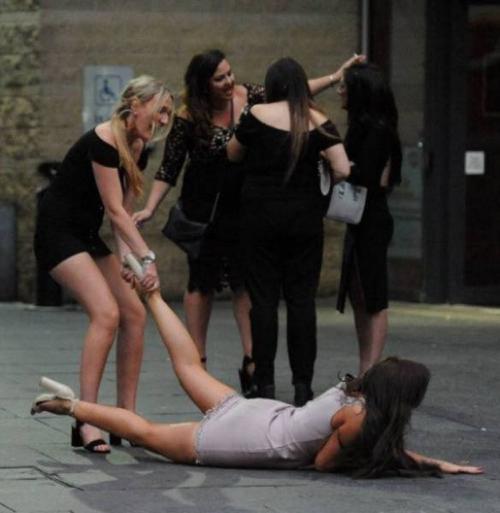 Les filles savent se lâcher en soirée
