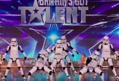 Des Stormtroopers réalisent une chorégraphie fabuleuse