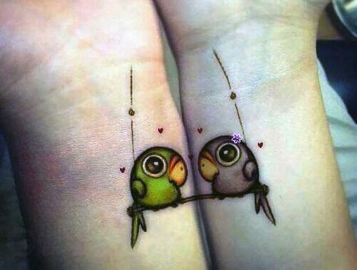 30 idées de tatouages à se faire entre couples