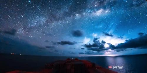 Le fabuleux Timelapse de 30 jours en mer sur un porte-conteneurs